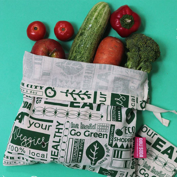 "Golisoda Set of 4 Reusable Cotton Produce Bags / Fruit Vegetable Bags / Fridge Bags / Veggie Bag - Keep it Fresh Small (11"" x 8"") & Big (12"" x 10"") and Go Green Small (11"" x 8"") & Big (12"" x 10"")"