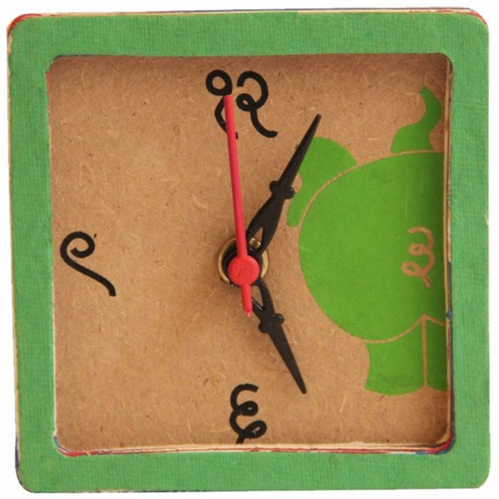 Haathi Chaap Desk Clock Green / 4 inches - Recycled Elephant Dung Paper