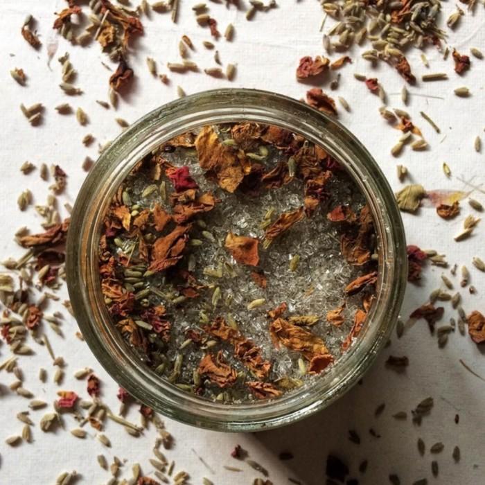 Vishisht Lifestyle Natural Rose Lavender Bath Salts